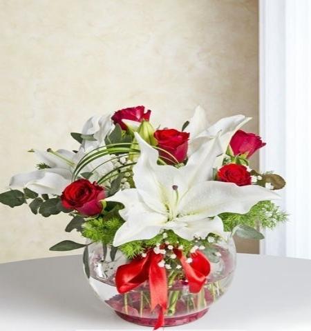 Erzurum Çiçek SİHİRLİ AŞK KIRMIZI GÜL VE LİLYUM